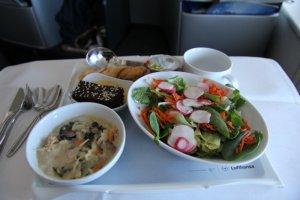 Pre-landing meal