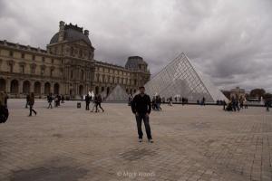 Palais de Louvre and the glass pyramid